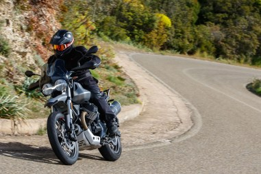 Moto-Guzzi-V85-TT-Sardinia-Jensen-Beeler-17