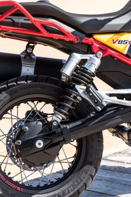 Moto-Guzzi-V85-TT-Sardinia-static-64