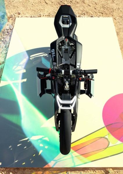 BMW-Motorrad-Vision-DC-Roadster-concept-15