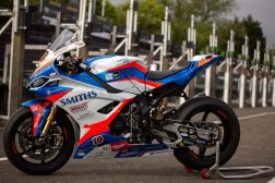 Peter-Hickman-BMW-S1000RR-IOMTT-2019-Steve-English-03