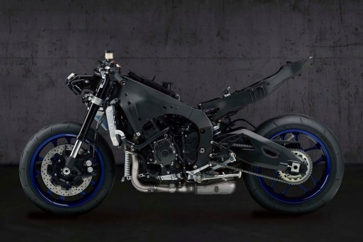 2020-Yamaha-YZF-R1-06