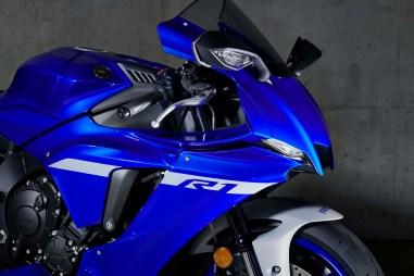 2020-Yamaha-YZF-R1-16