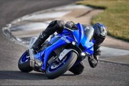 2020-Yamaha-YZF-R1-31