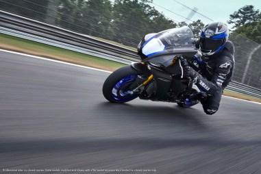 2020-Yamaha-YZF-R1M-43