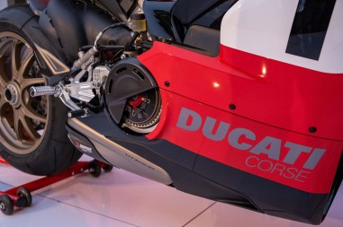 Ducati-Panigale-V4-25th-Anniversary-916-up-close-Andrew-Kohn-06