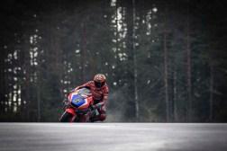 KymiRing-MotoGP-test-Stefan-Bradl-01