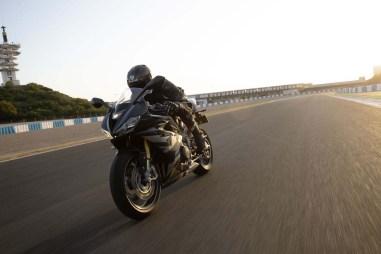 Triumph-Daytona-Moto2-765-11