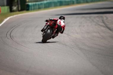 2020-Ducati-Panigale-V2-10