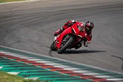 2020-Ducati-Panigale-V2-11