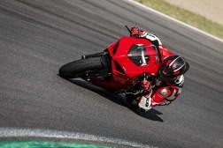 2020-Ducati-Panigale-V2-15
