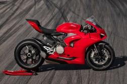 2020-Ducati-Panigale-V2-30