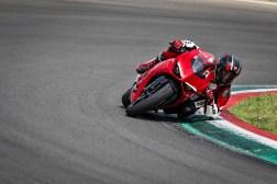 2020-Ducati-Panigale-V2-35