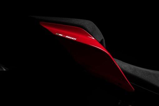 2020-Ducati-Streetfighter-V4-12