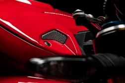 2020-Ducati-Streetfighter-V4-13