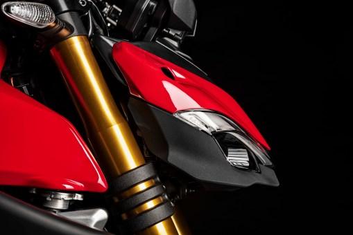2020-Ducati-Streetfighter-V4-23