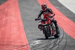 2020-Ducati-Streetfighter-V4-30