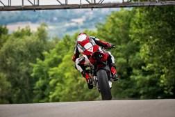2020-Ducati-Streetfighter-V4-37