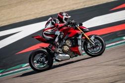 2020-Ducati-Streetfighter-V4-50