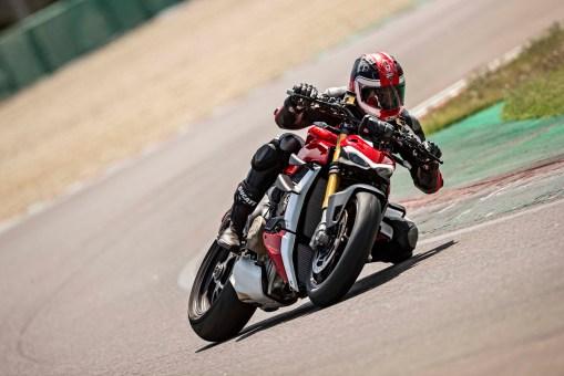 2020-Ducati-Streetfighter-V4-56