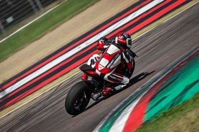 2020-Ducati-Streetfighter-V4-63