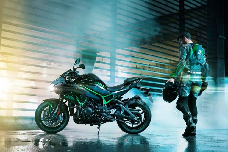 2020-Kawasaki-Z-H2-34