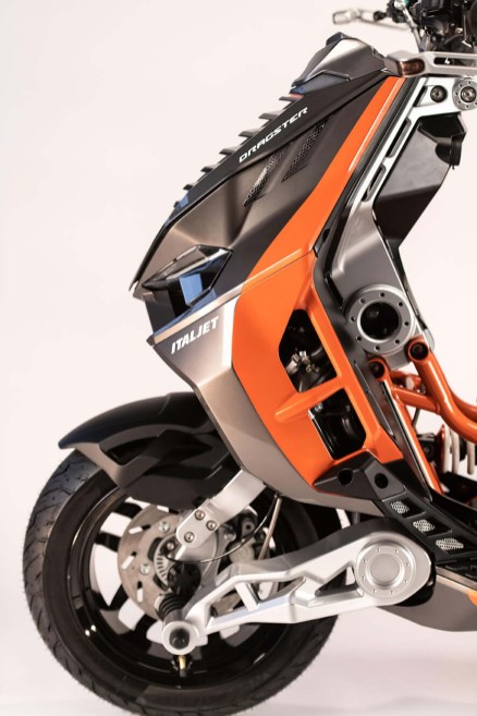 2019-Italjet-Dragster-scooter-24