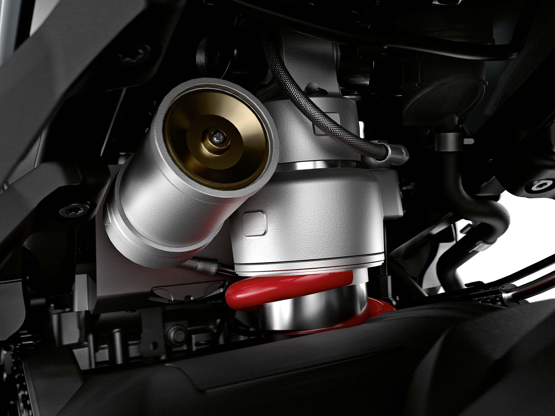 2020-BMW-S1000XR-03