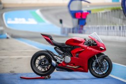 2020-Ducati-Panigale-V2-Jerez-launch-25