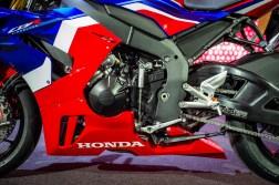 2020-Honda-CBR1000RR-R-06