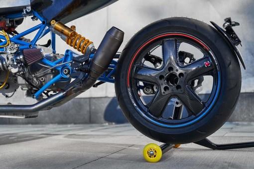 Scott-Kolb-BMW-race-bike-Gregor-Halenda-04