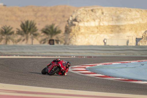2020-Ducati-Panigale-V4-S-09