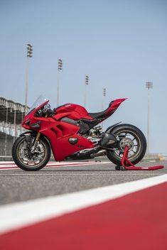 2020-Ducati-Panigale-V4-S-103