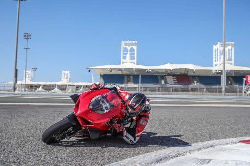 2020-Ducati-Panigale-V4-S-25