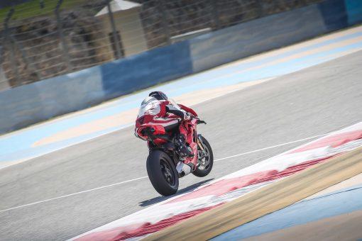 2020-Ducati-Panigale-V4-S-36