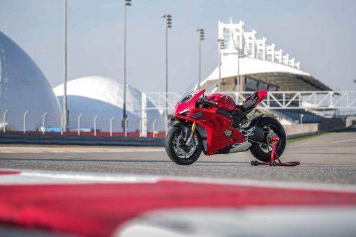 2020-Ducati-Panigale-V4-S-56