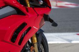 2020-Ducati-Panigale-V4-S-77