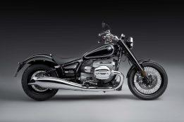 2020-BMW-R18-studio-23