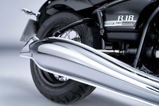 2020-BMW-R18-studio-43
