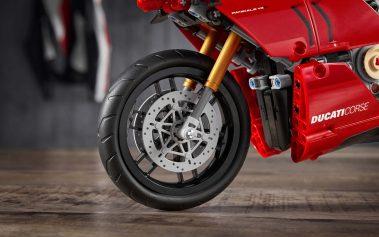 Ducati-Panigale-V4-R-Lego-model-02