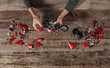 Ducati-Panigale-V4-R-Lego-model-11