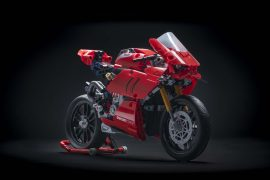 Ducati Panigale V4 R superbike in Lego bricks