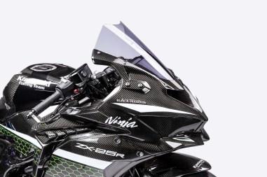 Kawasaki-Ninja-ZX-25R-carbon-fiber-race-bike-10