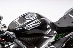 Kawasaki-Ninja-ZX-25R-carbon-fiber-race-bike-19