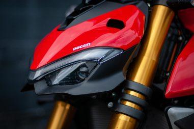 2020-Ducati-Streetfighter-V4-S-Jensen-Beeler-18