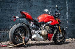 2020-Ducati-Streetfighter-V4-S-Jensen-Beeler-32