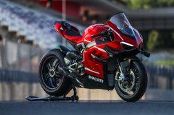 2020-Ducati-Superleggera-V4-08