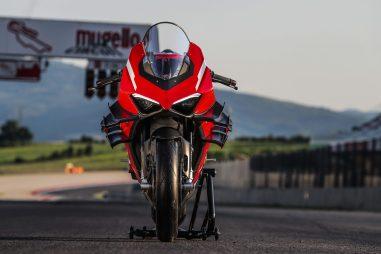 2020-Ducati-Superleggera-V4-17