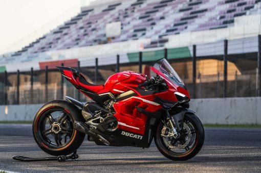 2020-Ducati-Superleggera-V4-19