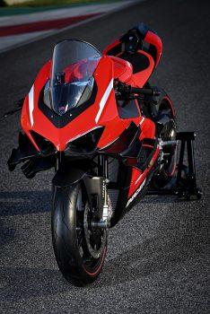 2020-Ducati-Superleggera-V4-23