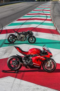 2020-Ducati-Superleggera-V4-27
